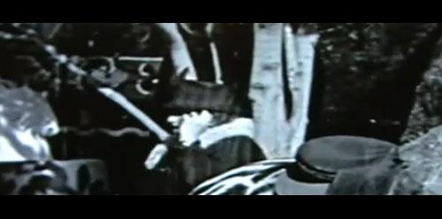 Пътешественик във времето във филм на Чаплин