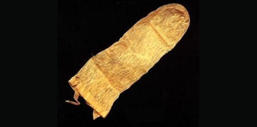 Историята на презерватива в 10 факта