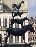 Бременските музиканти - статуя в центъра на Бремен
