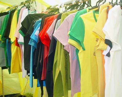 Цветни тениски