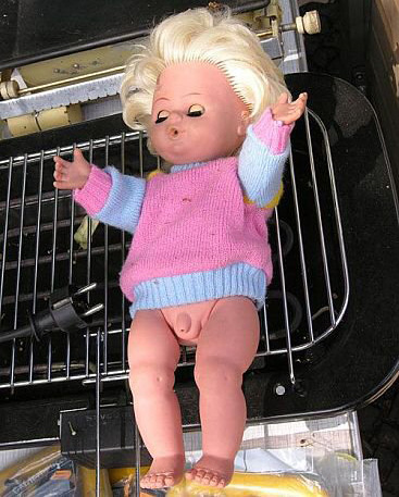 Кукла с пишчица