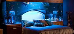 Легло с аквариум