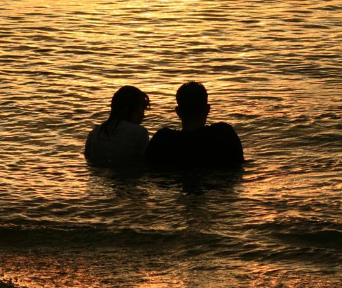 Двойка в морето