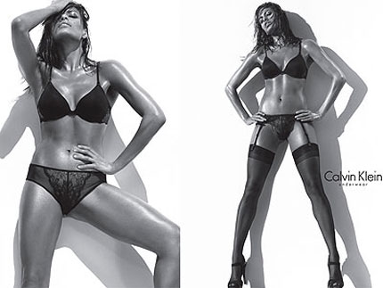 Ева Мендес в реклама на Calvin Klein Underwear