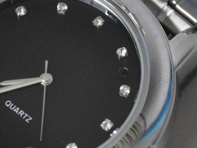 Часовник с камера