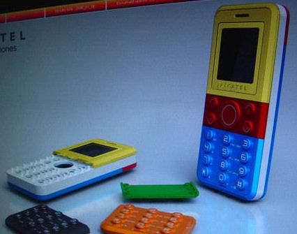Телефон на Lego и Alcatel