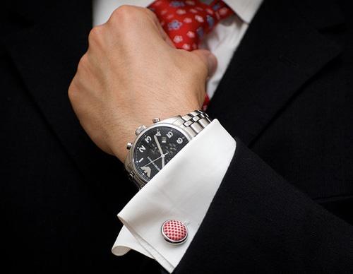 Костюм и вратовръзка