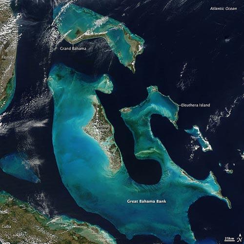 Бахамите, поглед от Космоса