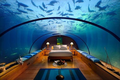 Хотелска стая под водата