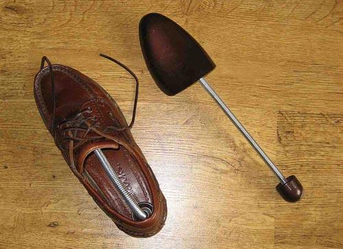 Приспособление за обувки