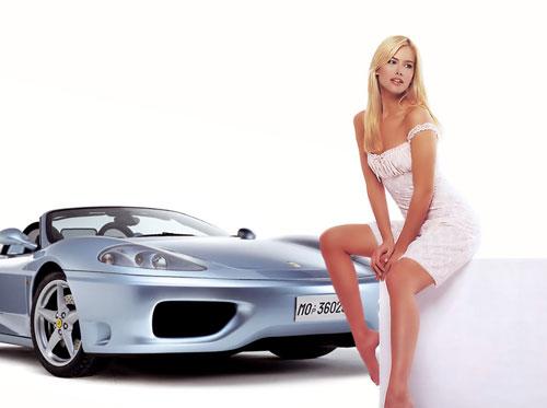 Секси мацка! Трябва да си купя Ферари!