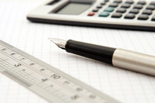 Линия, молив и калкулатор